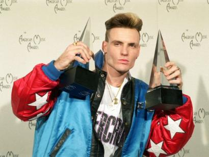 vanilla-ice-awards.jpg